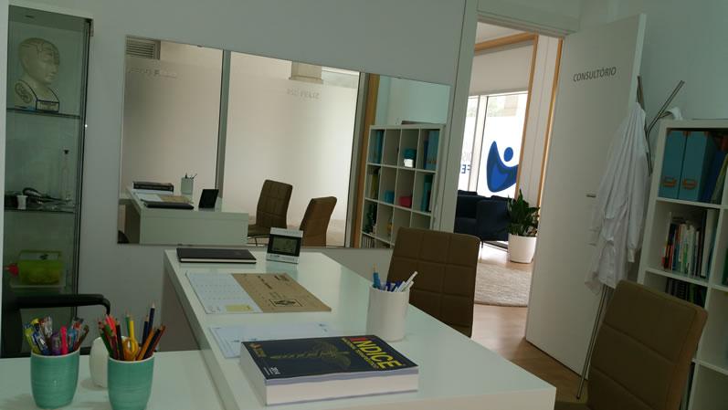 Clinica-discurso-feliz-consultorio-interior