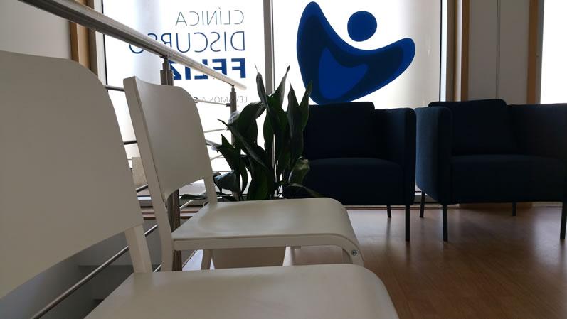 Clinica-discurso-feliz-sala-de-espera