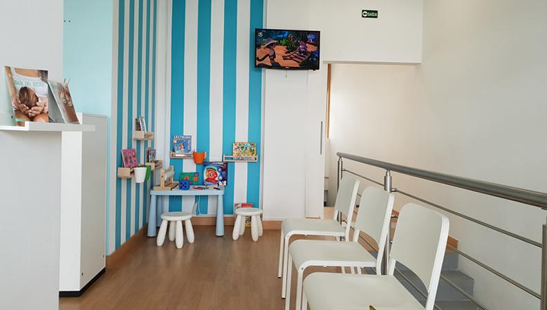 Clinica-discurso-feliz-zona-de-acompanhamento-crianças